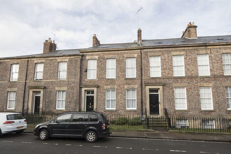4 Bedrooms Terraced House for sale in St Thomas Square, Newcastle upon Tyne