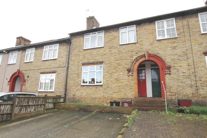 3 Bedrooms Terraced House for sale in Whitehill Road, Crayford