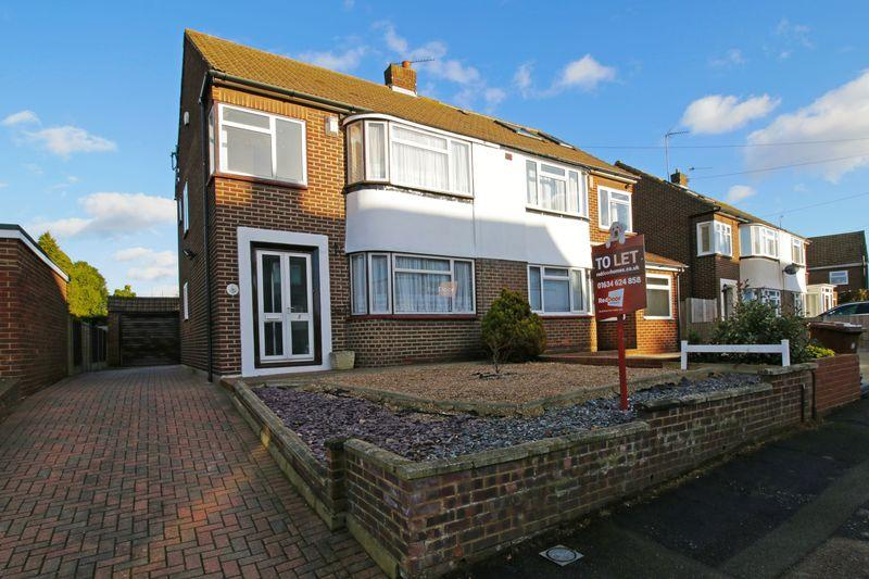 3 Bedrooms Semi Detached House for rent in Sholden Road, Rochester