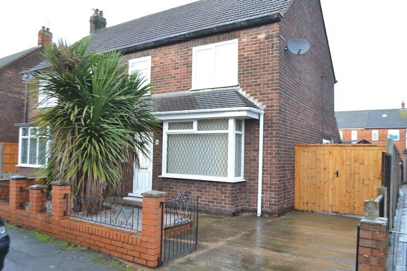 3 Bedrooms Semi Detached House for sale in Neville Road DN16 1TN