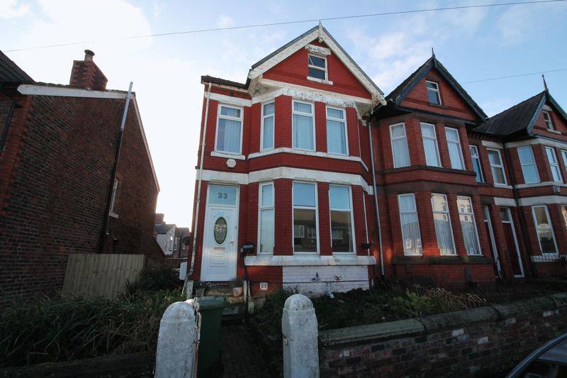 5 Bedrooms Terraced House for sale in Carlton Road, Birkenhead