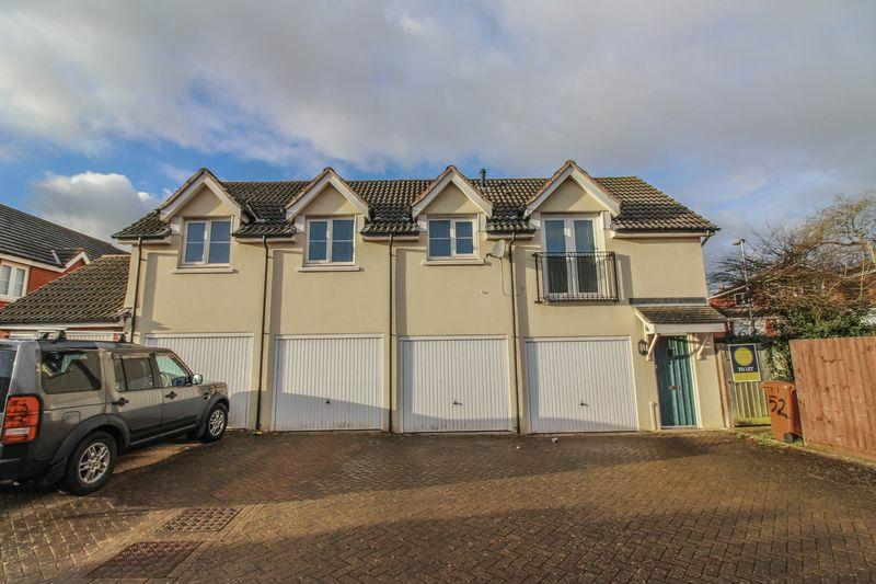 2 Bedrooms Apartment Flat for rent in 52 Saxon Close, Crediton