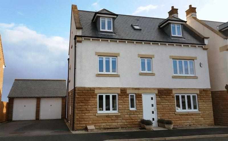 5 Bedrooms Detached House for sale in East Moor, Longhoughton, Alnwick