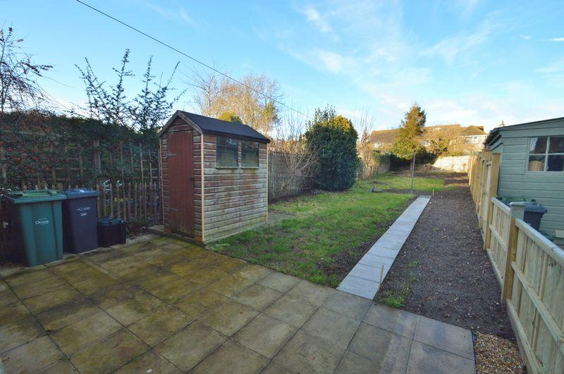 3 Bedrooms Semi Detached House for sale in Freshwater