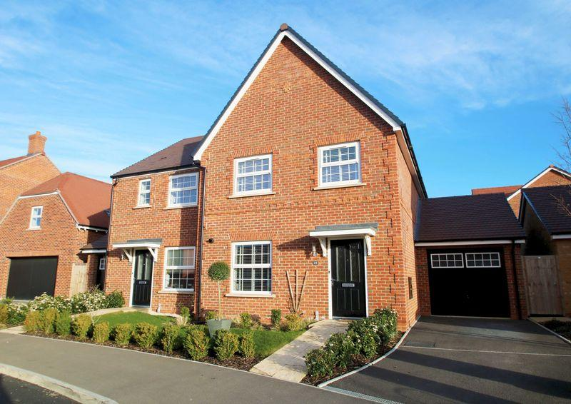 4 Bedrooms Semi Detached House for sale in Thame, Oxfordshire
