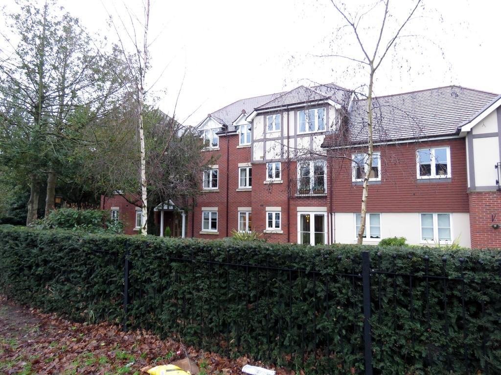1 Bedroom Flat for sale in Grange Court, Warwick Road