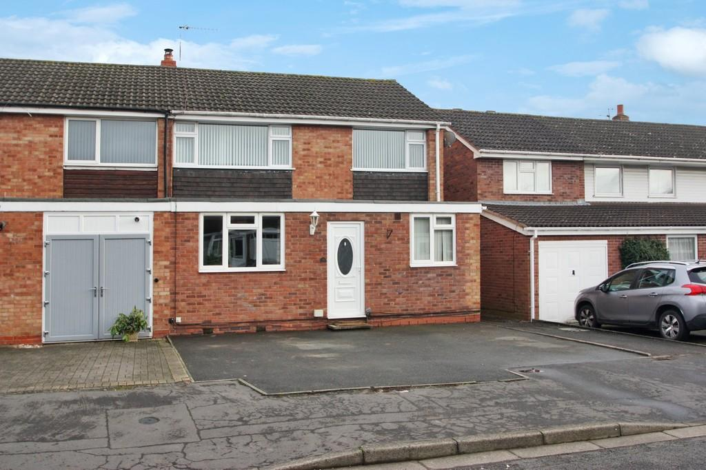 4 Bedrooms End Of Terrace House for sale in Slingates Road, Stratford-upon-Avon