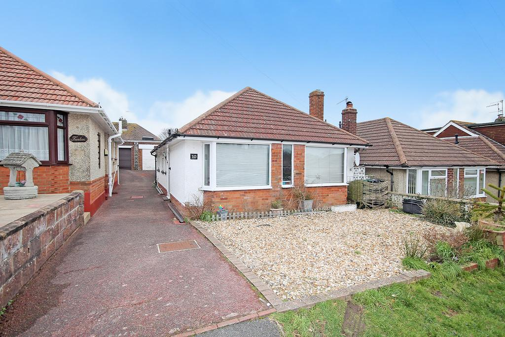 3 Bedrooms Detached Bungalow for sale in Oakdene Avenue, Portslade, Bn41 2RJ