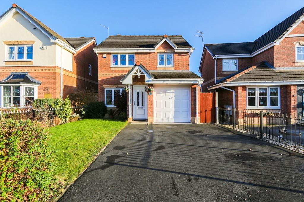 3 Bedrooms Detached House for sale in 14 Sandywarps, Irlam, Manchester