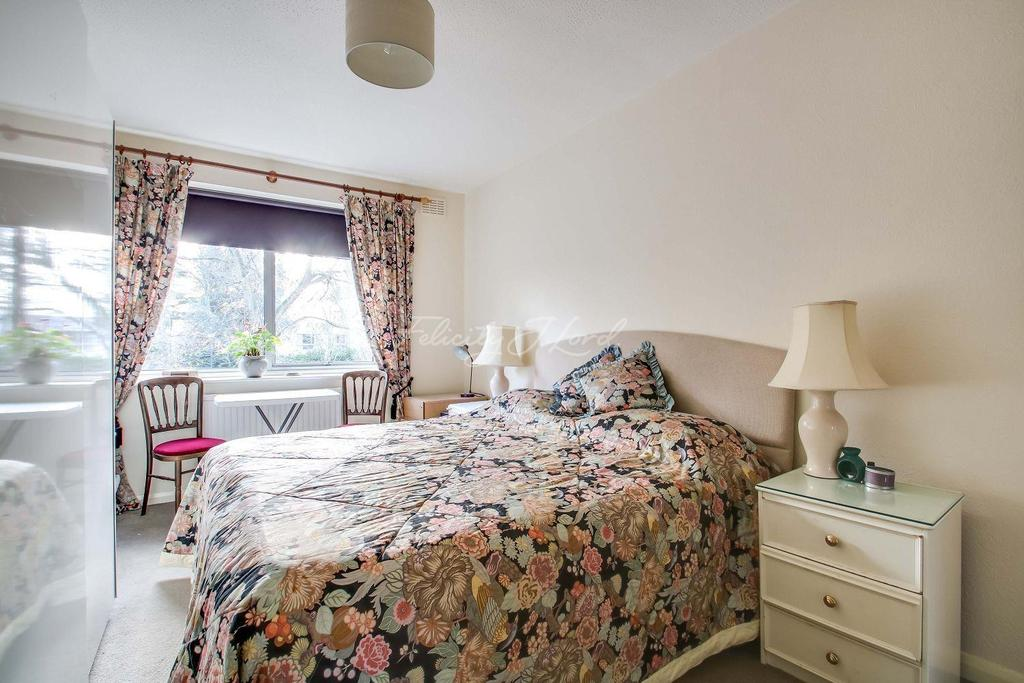 2 Bedrooms Flat for sale in Blackheath Park SE3