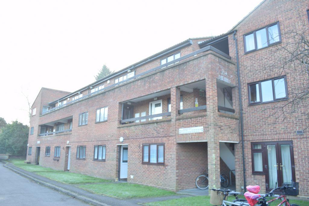 3 Bedrooms Maisonette Flat for sale in Wordsworth Court, Hatfield, AL10