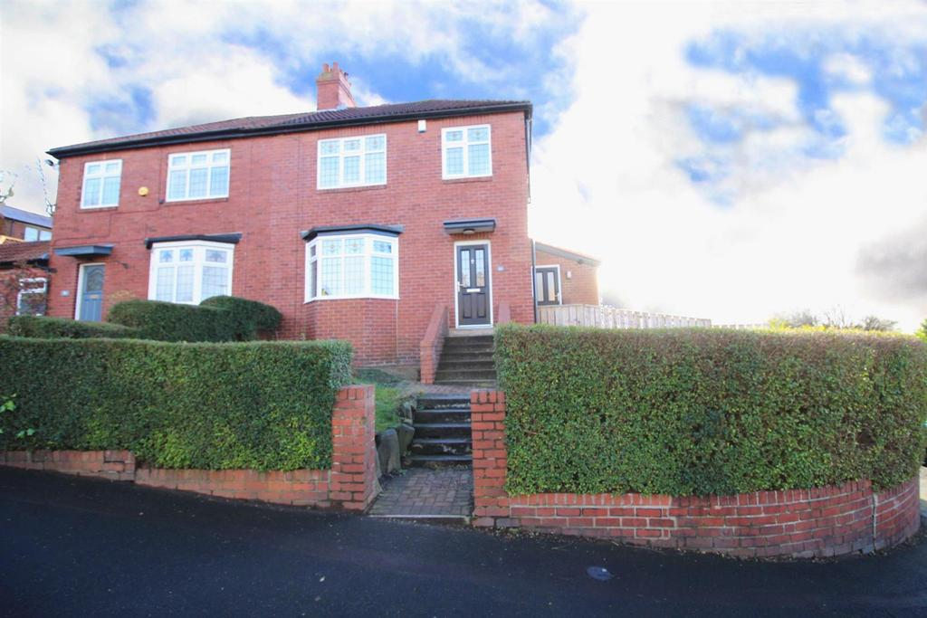 3 Bedrooms Detached House for sale in Church Road, Low Fell, Gateshead