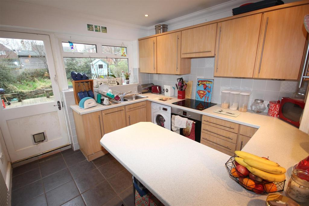 2 Bedrooms Terraced House for sale in Wantley Hill Estate, Henfield