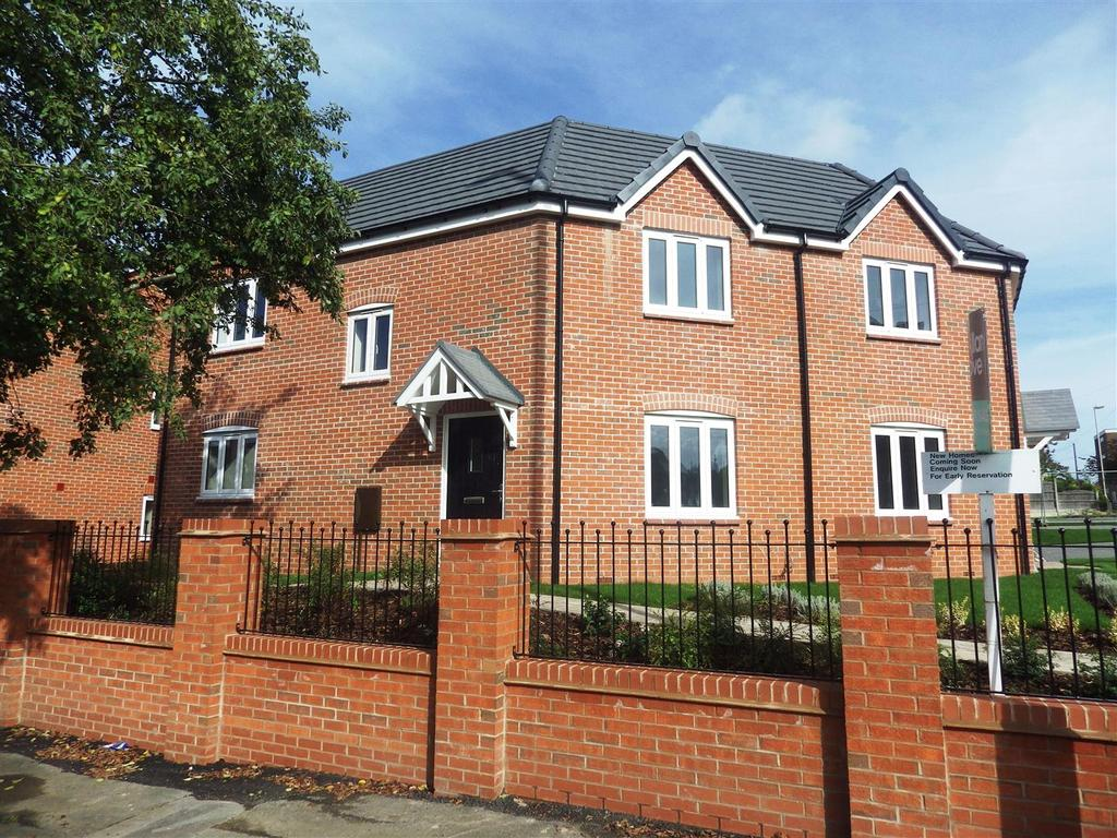 3 Bedrooms Semi Detached House for sale in Long Lane, Halesowen