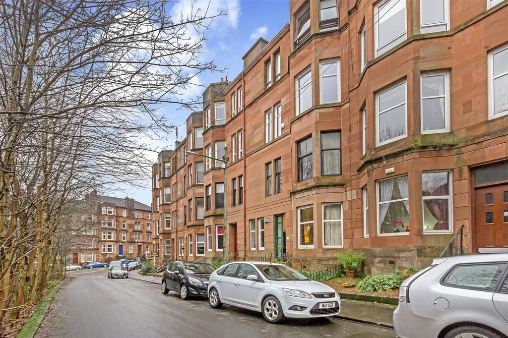 2 Bedrooms Flat for sale in G/R, 17 Bellwood Street, Shawlands, Glasgow, G41