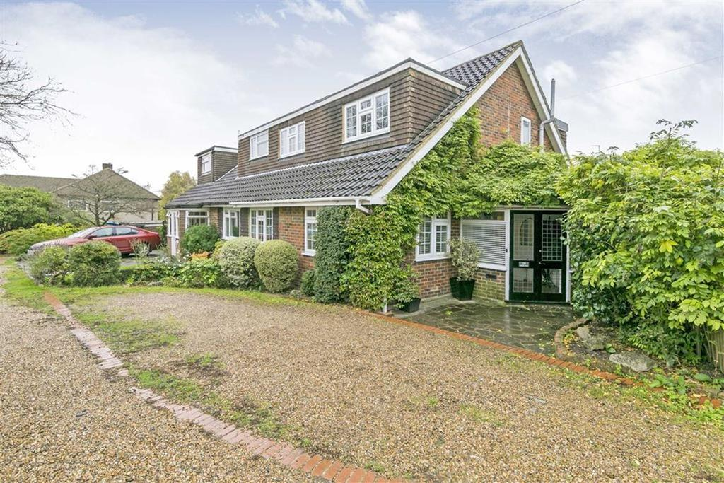 3 Bedrooms Semi Detached House for sale in Bramble Walk, Epsom, Surrey