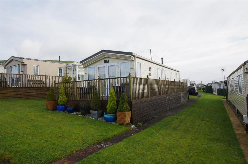 2 Bedrooms House for sale in Barkisland, Halifax