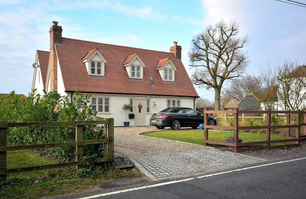 4 Bedrooms Detached House for sale in Hartford End, Chelmsford, CM3