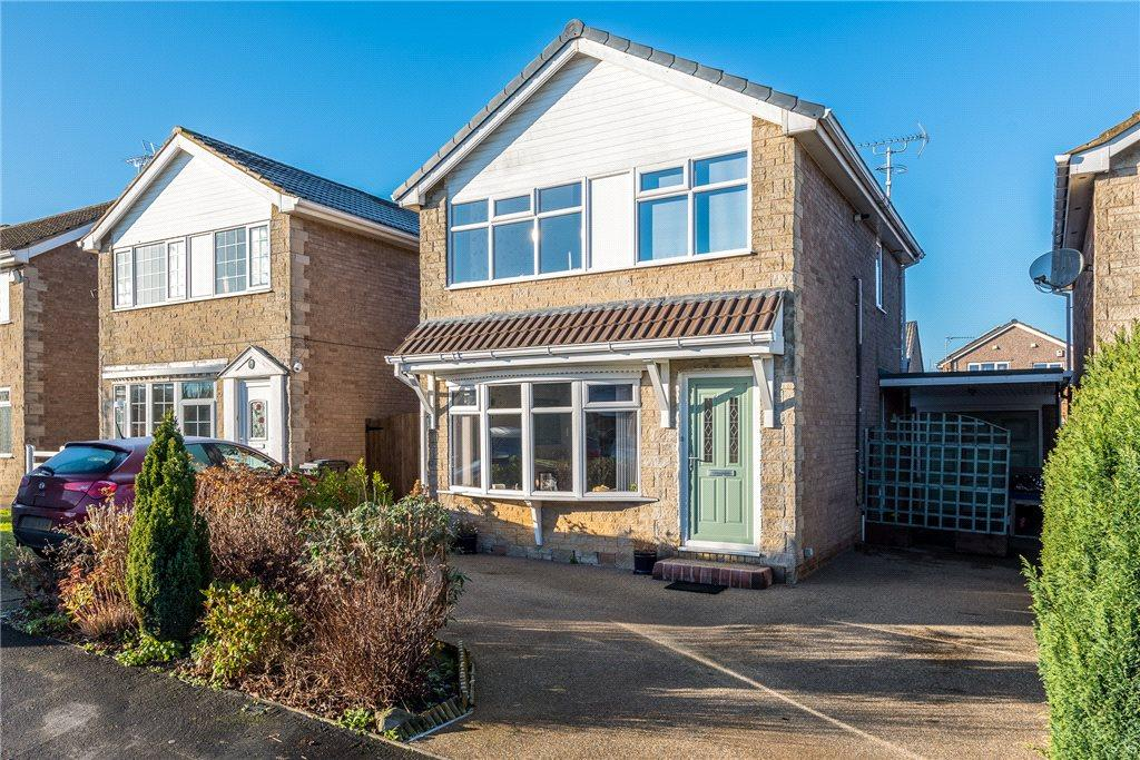 3 Bedrooms Detached House for sale in Rievaulx Avenue, Knaresborough, North Yorkshire
