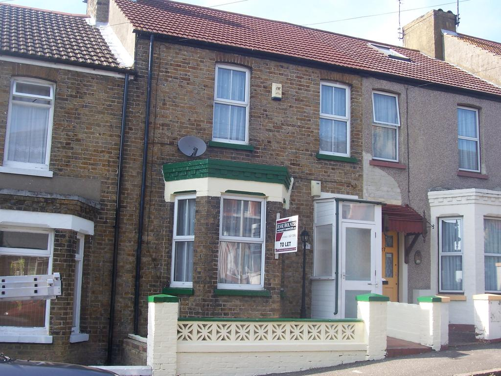 3 Bedrooms Terraced House for sale in Hengist Avenue, Margate, Kent CT9
