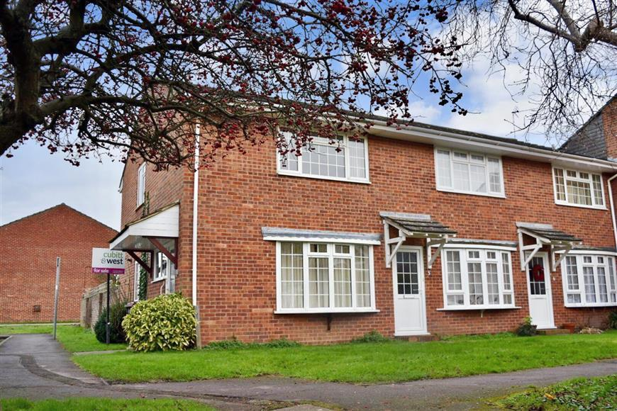 2 Bedrooms End Of Terrace House for sale in Juxon Close, Chichester, West Sussex