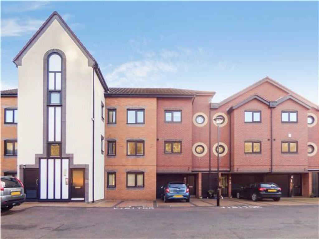 2 Bedrooms Flat for sale in Dolphin Quays, North Shields