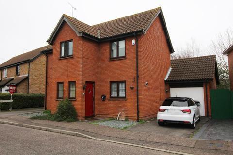 4 bedroom detached house to rent - Pollards Green, Chelmsford, Essex, CM2