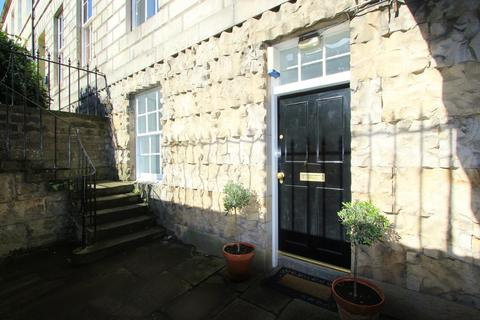 2 bedroom flat to rent - Albany Street, Edinburgh EH1