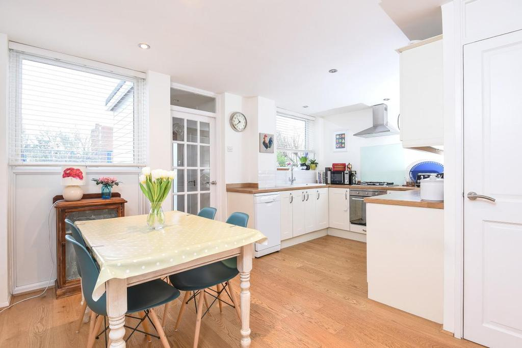 3 Bedrooms Terraced House for sale in Balham Park Road, Balham