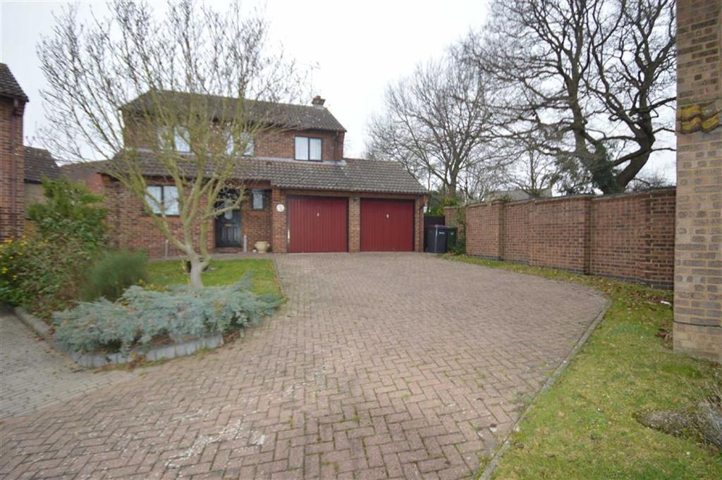 4 Bedrooms Detached House for sale in Macintyres Walk, Ashingdon, Essex