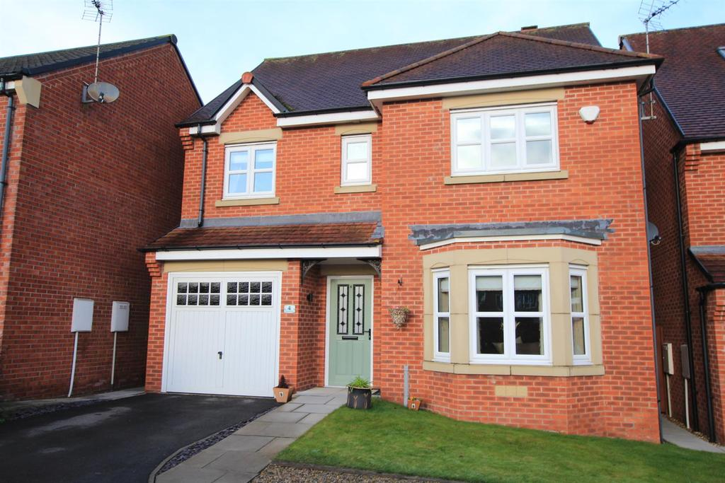 4 Bedrooms Detached House for sale in Wakenshaw Drive, Newton Aycliffe