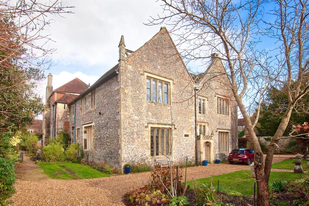 3 Bedrooms Flat for sale in 21 The Close, Salisbury