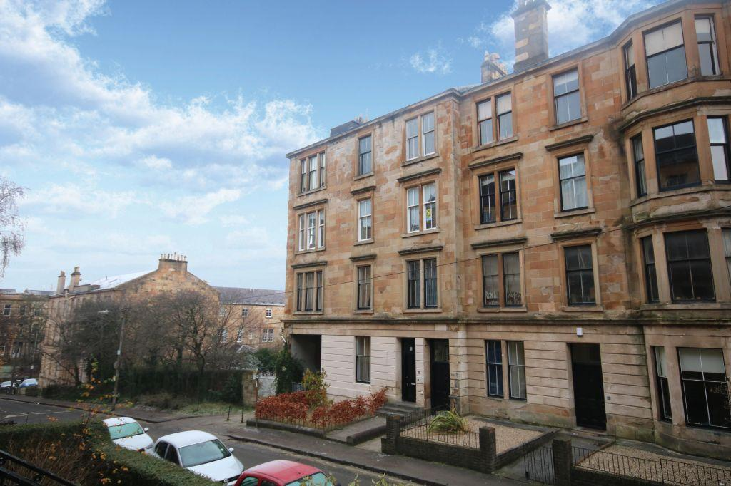 5 Bedrooms Flat for sale in 3/2, 13 Southpark Avenue, Hillhead, Glasgow, G12 8HZ