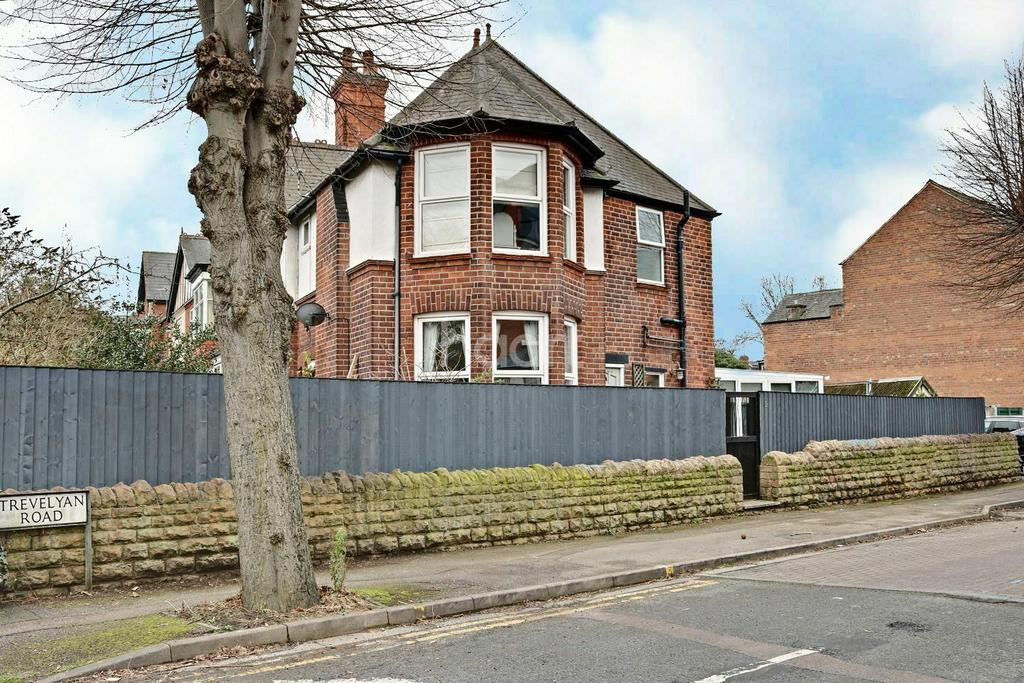 2 Bedrooms Semi Detached House for sale in Trevelyan Road, West Bridgford, Nottingham