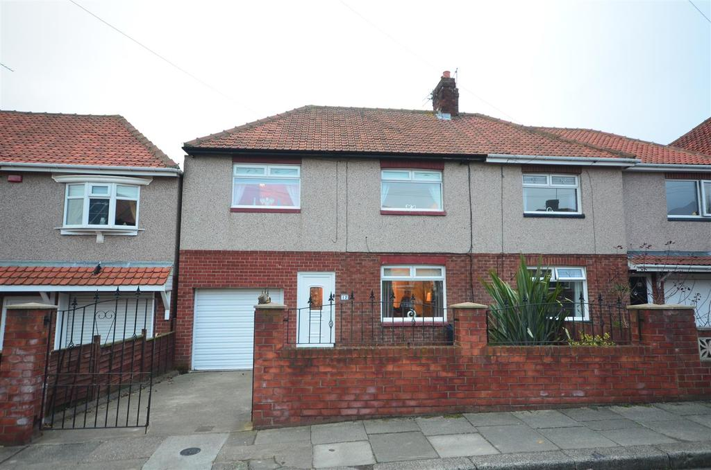 3 Bedrooms Semi Detached House for sale in Askrigg Avenue, Grangetown, Sunderland
