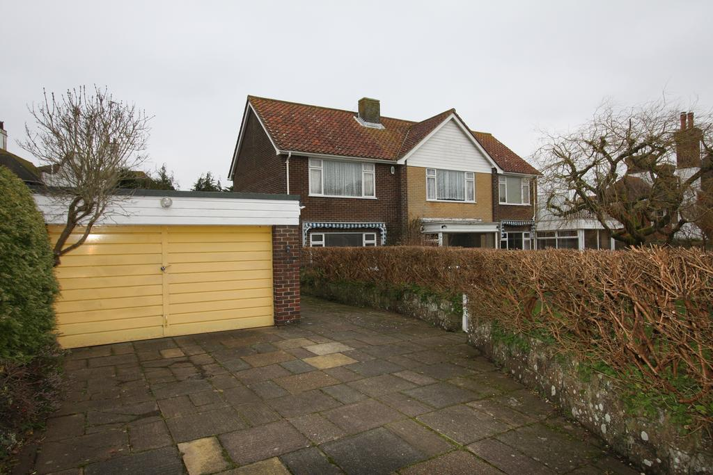 4 Bedrooms Detached House for sale in Beachy Head Road, Eastbourne BN20