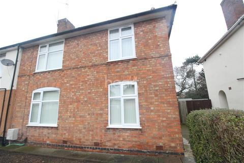 3 bedroom semi-detached house to rent - Leveric Road off Victoria Road East