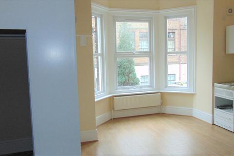 Studio to rent - LAWRENCE , SOUTHSEA PO5