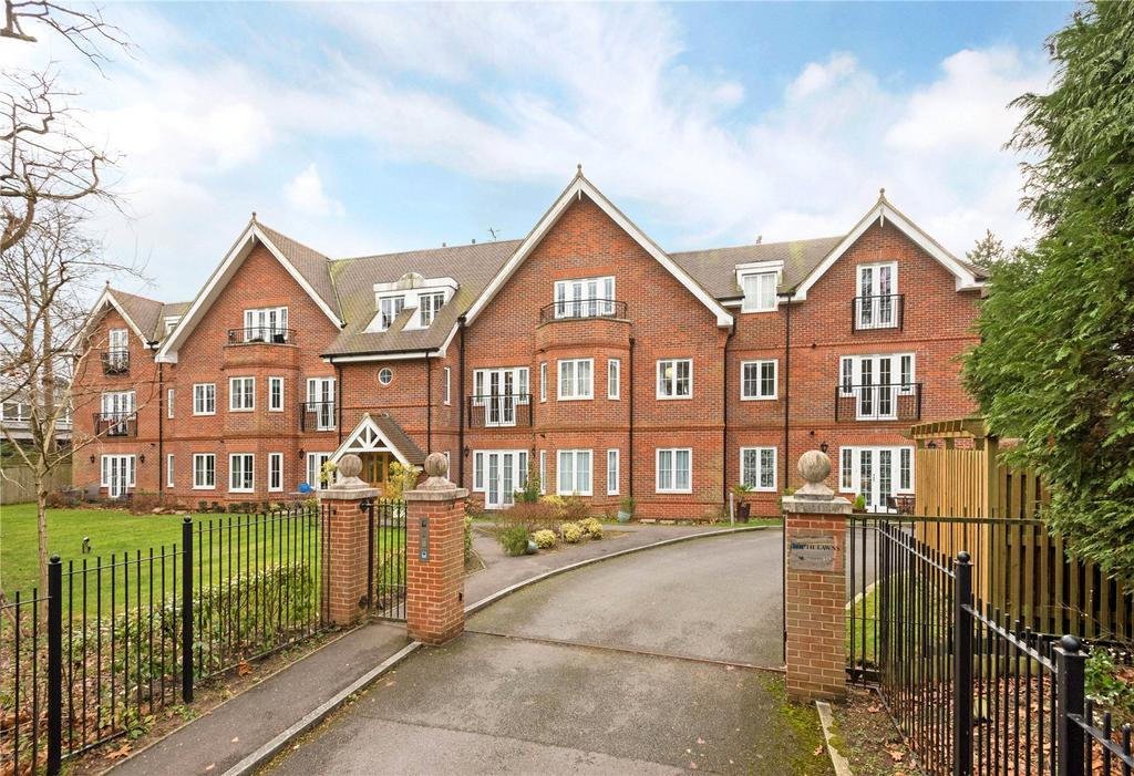 2 Bedrooms Flat for sale in South Lawns, 73 Reigate Road, Reigate, Surrey, RH2