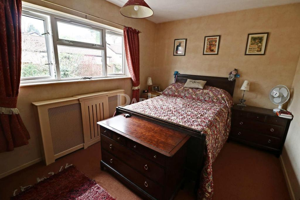 3 Bedrooms Semi Detached House for sale in King Edward Avenue, Caerphilly