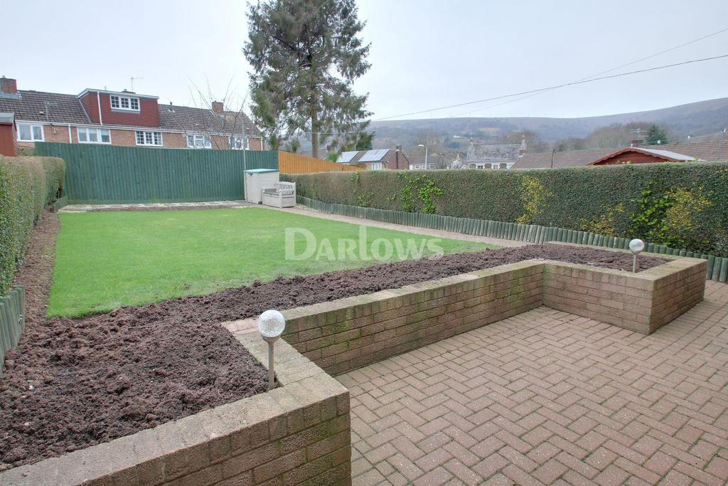 3 Bedrooms Terraced House for sale in Mount Pleasant Road, Pontnewydd