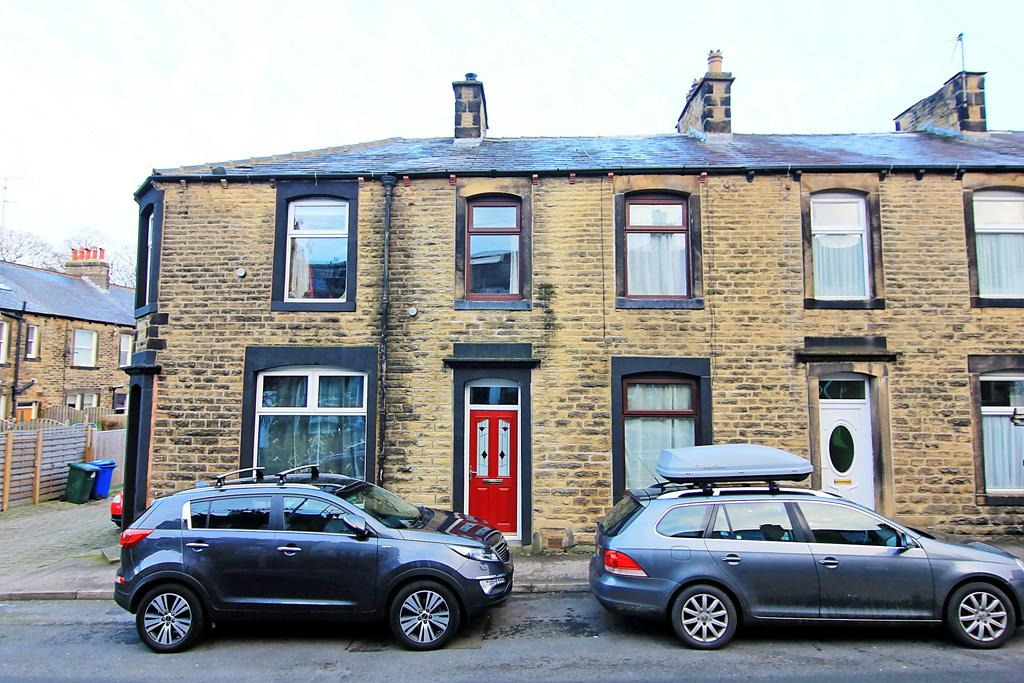 3 Bedrooms Terraced House for sale in 5 Brook Street, Skipton,