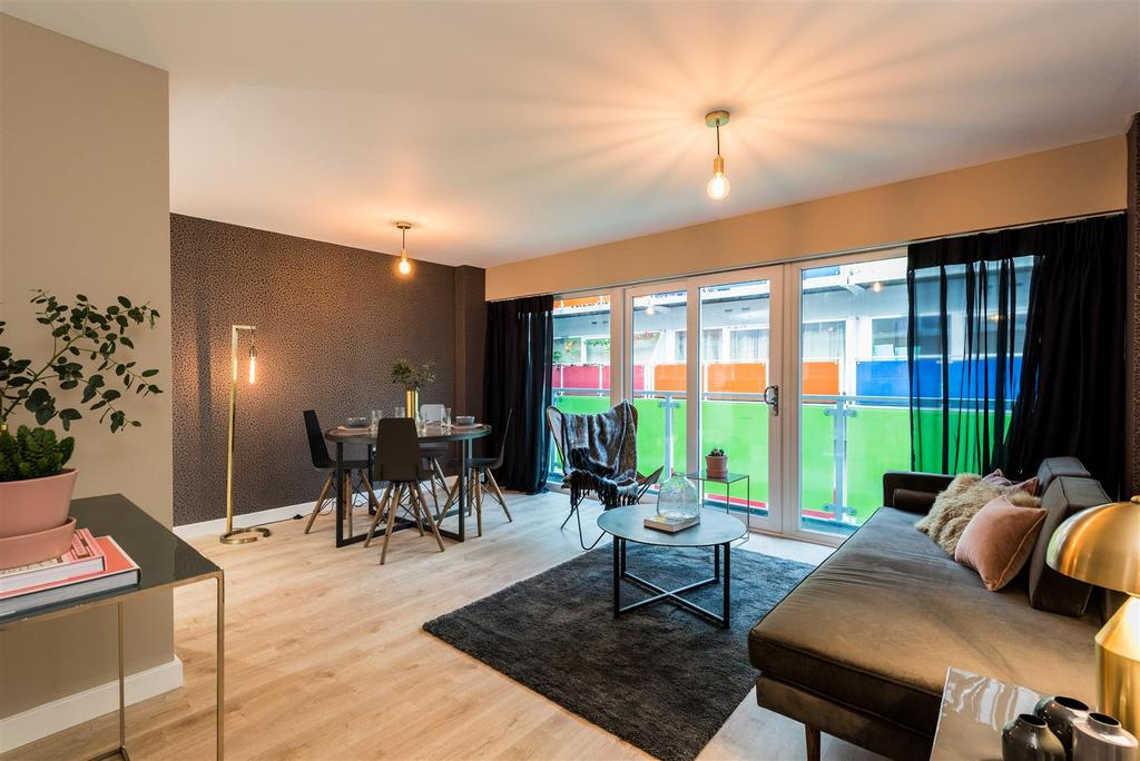 2 Bedrooms Flat for sale in Concord Street, Leeds