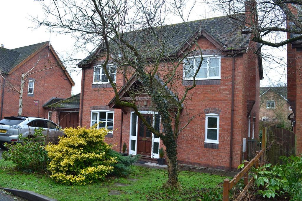 4 Bedrooms Detached House for sale in Kingsland, Leominster