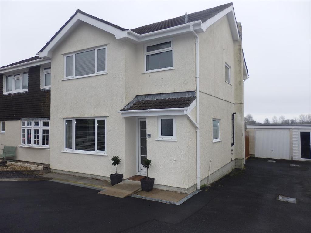 3 Bedrooms Semi Detached House for sale in Erw Non, Llannon, Llanelli