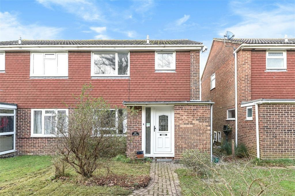 3 Bedrooms Semi Detached House for sale in Gento Close, Botley, Hampshire