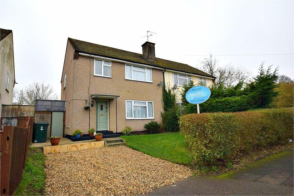 3 Bedrooms Semi Detached House for sale in Raymond Close, ABBOTS LANGLEY, Hertfordshire