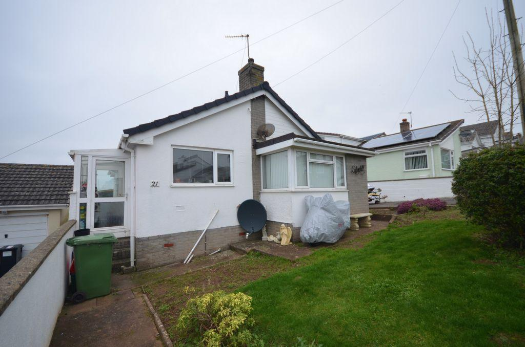 3 Bedrooms Bungalow for sale in Charlemont Road, Teignmouth, TQ14
