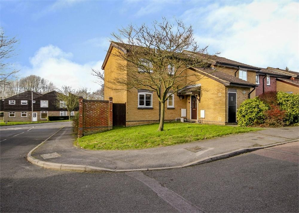 1 Bedroom Maisonette Flat for sale in Aldworth Close, Bracknell, Berkshire