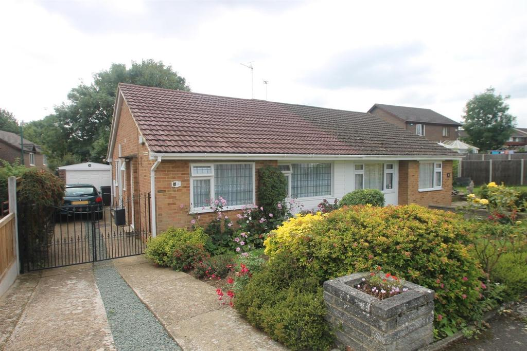 2 Bedrooms Bungalow for sale in Beckenham Drive, Maidstone